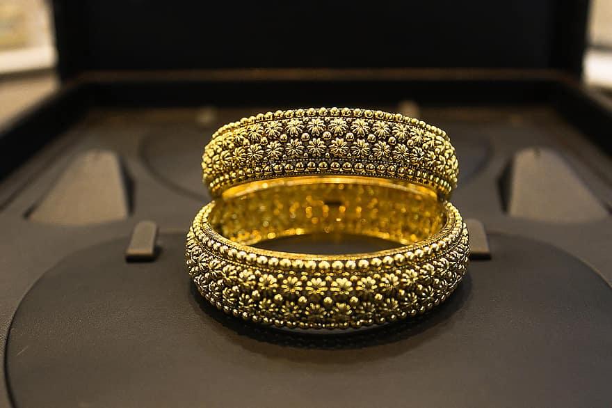 C:\Users\Retish\Downloads\golden-gold-jewellery-bangles-floral-beautiful-verma-gold-bangle.jpg